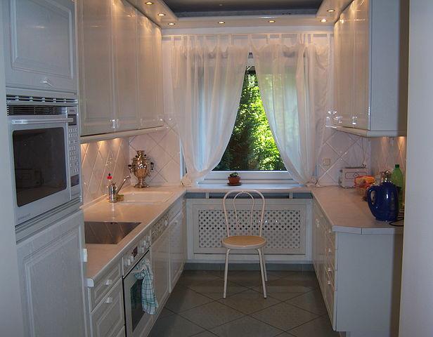 Простота и изящество маленькой кухни 5
