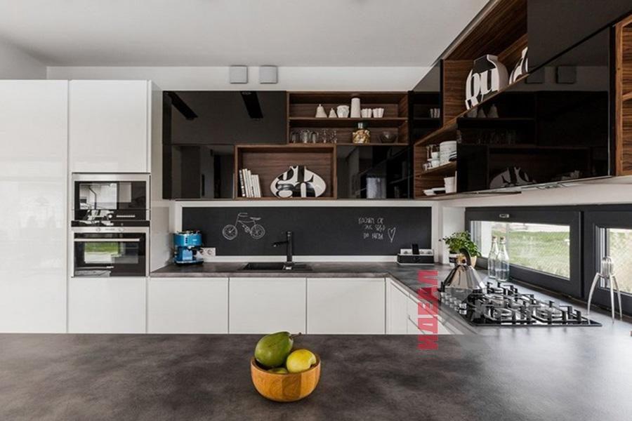 Кухни под окно фото