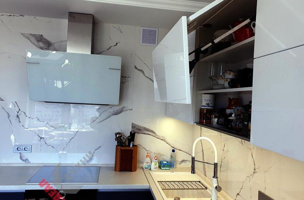 кухни с гола профилем
